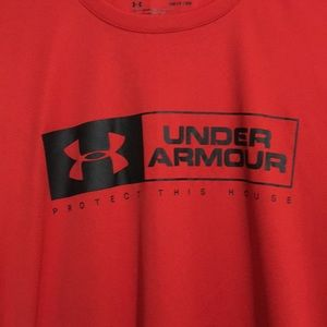 Under Armour Shirts - Like New Under Armour HeatGear Loose Size Small